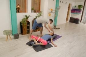 yoga restaurativo yogasuite